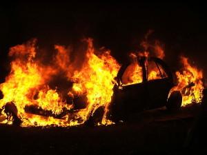 Car_fire_in_Lancaster_2005