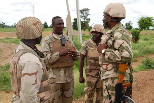 Nigerian-troops-600x400