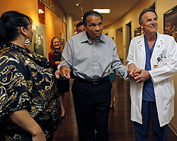 Muhammad Ali to Honor Leading Physicians