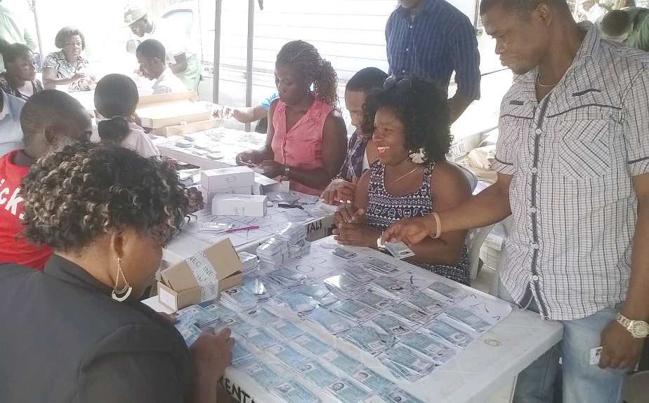 PIC.-9.-DISTRIBUTION-OF-PERMANENT-VOTER-CARDS-IN-PORT-HARCOURT