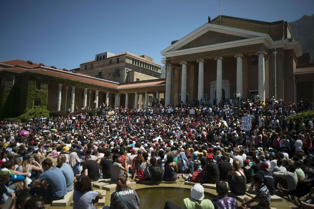 la-fg-south-africa-students-protests-20151022